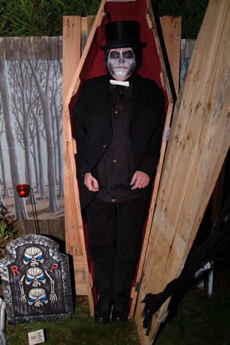 Just resting before warming up the Guests at the Dead Wedding Party Essex